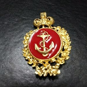 Jewelry - ** Gold and red anchor pin